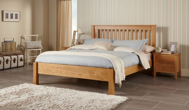 Lincoln Oak Bedframe
